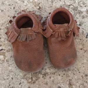 FRESHLY PICKED Zion brown moccasins